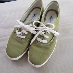 Green keds tennis shoes 8